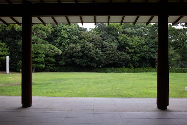 商工奨励館の中庭