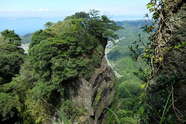 鋸山の断崖