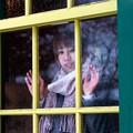 Photos: 窓越しの思い。