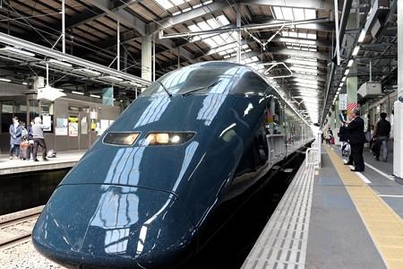 2016.04.05 新潟駅 GENBI SHINKANSEN  Museo en Shinkansen